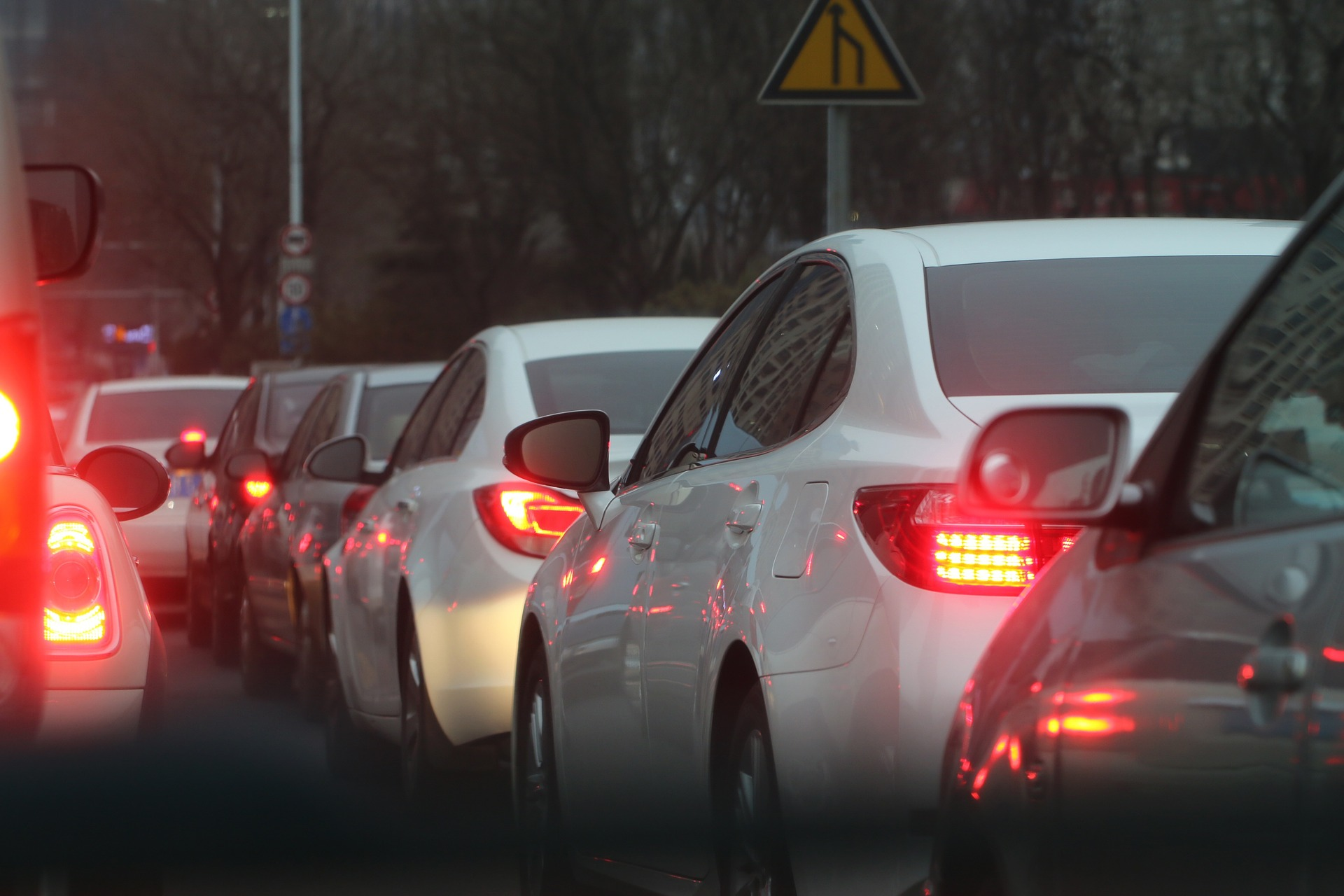 tRAFFIC SLOWING DOWN TO YOUR WEBSITE BECAUSE OF BAD OR LACKING DATA
